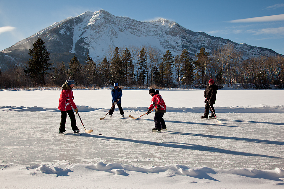 Connelly Lake Hockey