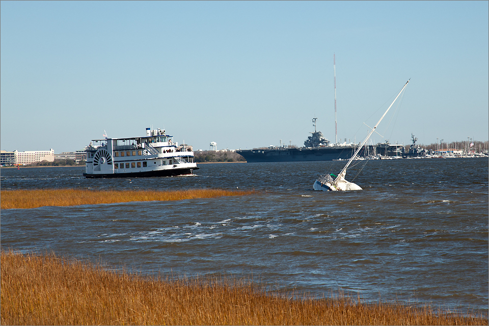 Sunken sailboat – Waterfront Park, Charleston
